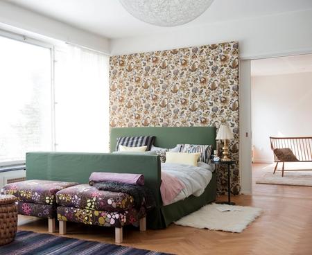 Bed frame in Moss Green Belgian Linen -Footstools in Bantie Bubbel-Brown