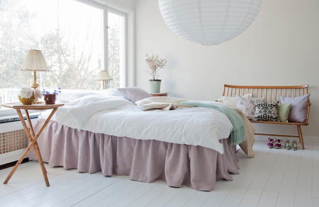 Bed skirt with frills in Rosendal Pure Washed Linen Lavender