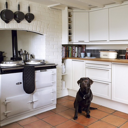 AGA Shaker meets modern where AGA is focus via Ideal Home