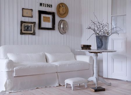 Bemz Loose Fit - Country slipcover in Absolute White on a Nikkala sofa. Photo via Bemz