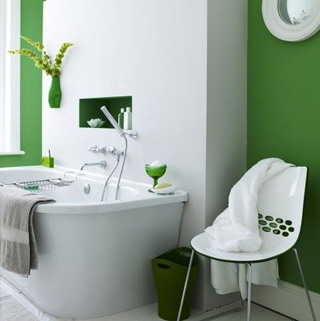 Fresh green-on-white bathroom. Photo via Livingetc.