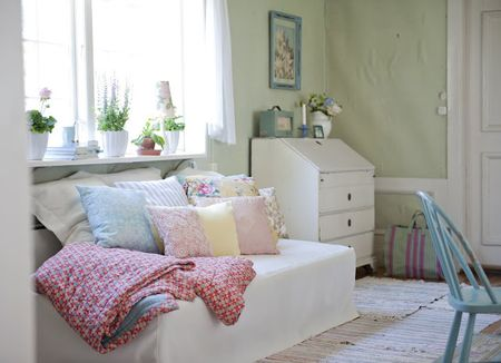 Daybed cover in Soft White Belgian Linen Blend