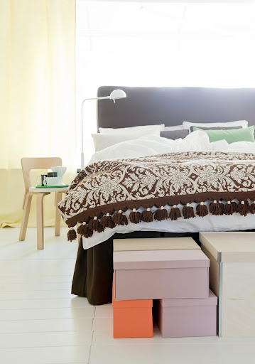 Bemz bed skirt with pleats