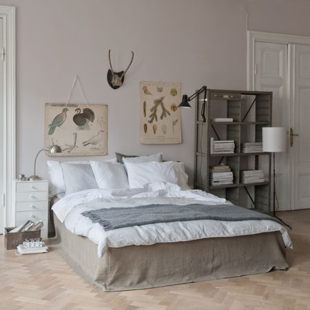 Bemz bed skirt, Loose Fit Urban style in Sage Brown Rosendal Pure Washed Linen