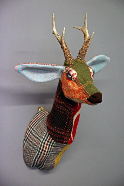 Patchwork-tweed-roe-deer-head
