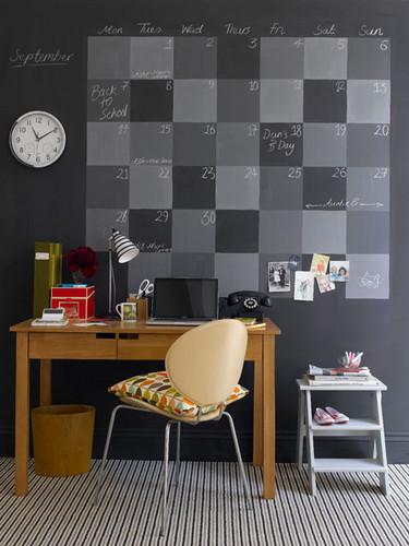 Blackboard idea for desk via Tumblr