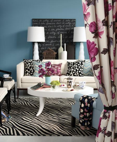 Living-room-inspiration-chalkboard-paint-canvas-wall The Style Files