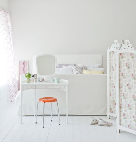 Design-it-yourself: Budget beautiful bedrooms - It\'s a cover-up