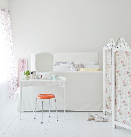 Bemz cover for Florö bed frame cover, fabric Soft White Belgian Linen Blend