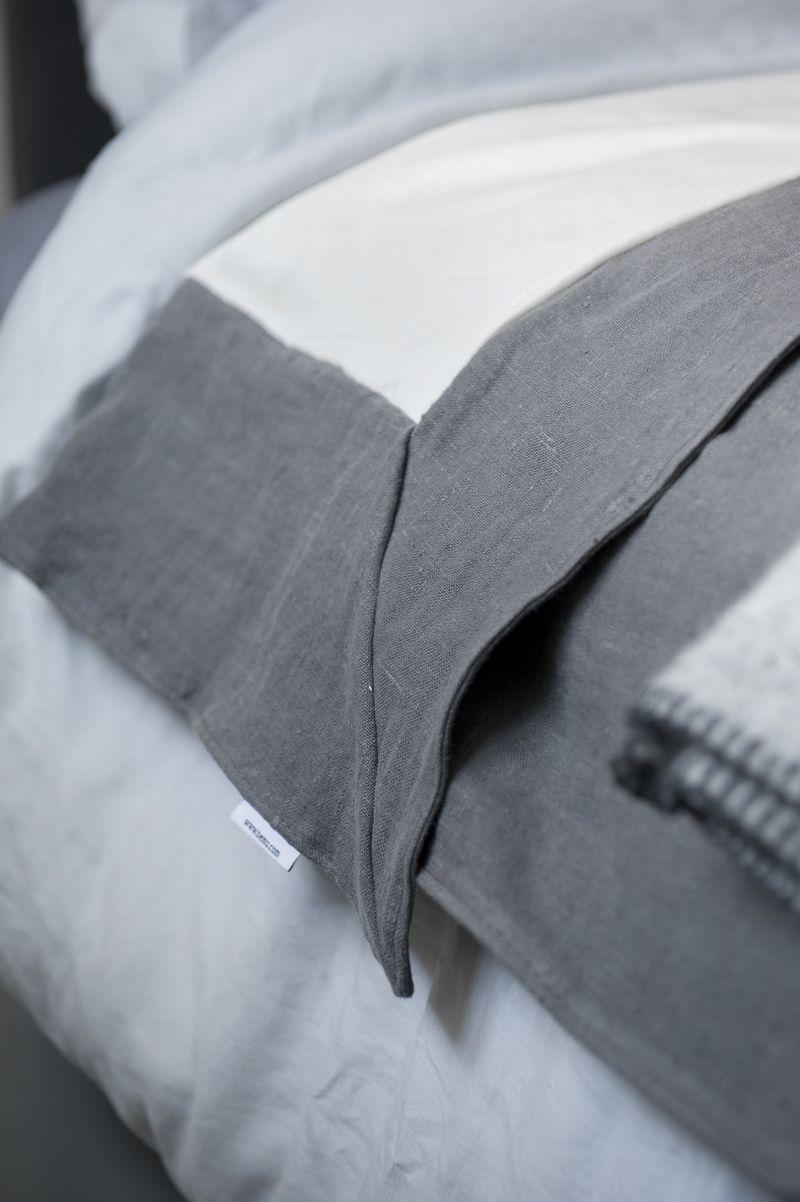 Bemz bedspread. Loose Fit, in Medium Grey Rosendal Pure Washed Linen