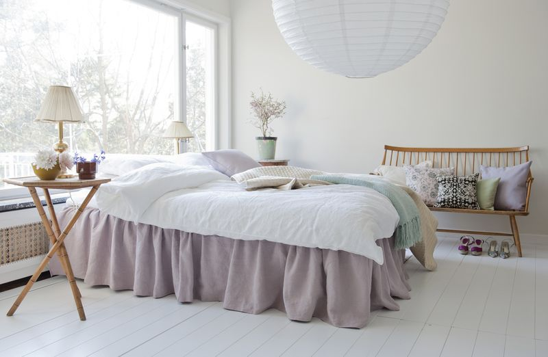 Bemz bed skirt with frills, Loose Fit Country style, in Lavender Rosendal Pure Washed Linen