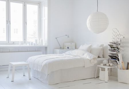Bemz Loose Fit  bedspread, Bemz cover for Abelvär headboard and Bemz Loose Fit bed skirt all in Absolute White Rosendal Pure Washed Linen