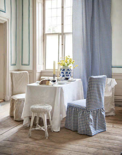 Henriksdal chair covers, Loose Fit Country, in Vreta Gingham Check Beige&White and Blue&White, Multi Fit chair cover in Unbleached Rosendal Pure Washed Linen, Curtains in Vreta Ginghamn Check Blue&White.