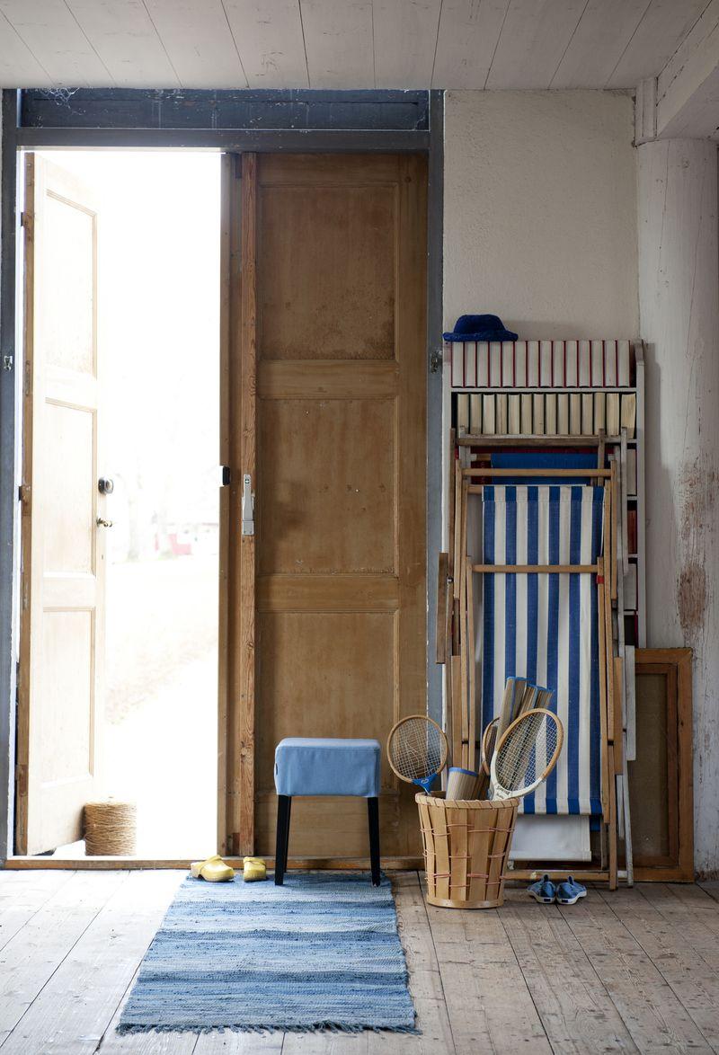 Bemz cover for Nils stool in Light Denim Blue Belgian Linen Blend