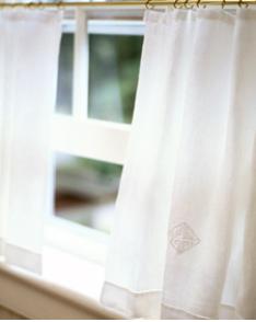 Cafe Curtain photo via Martha Stewart