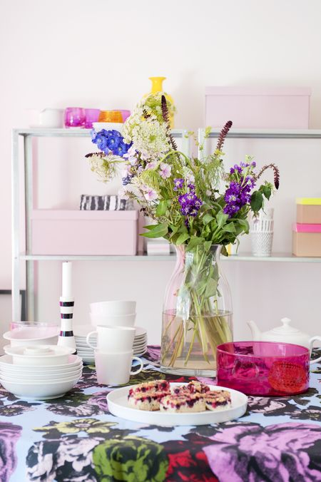 Purple and pink dining table