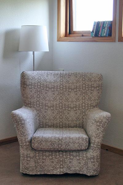 Helenas_reading_corner_3
